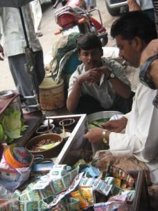 Paan vendor, Old Delhi