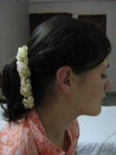 Jasmine flowers in your hair: a Tamil woman tradition